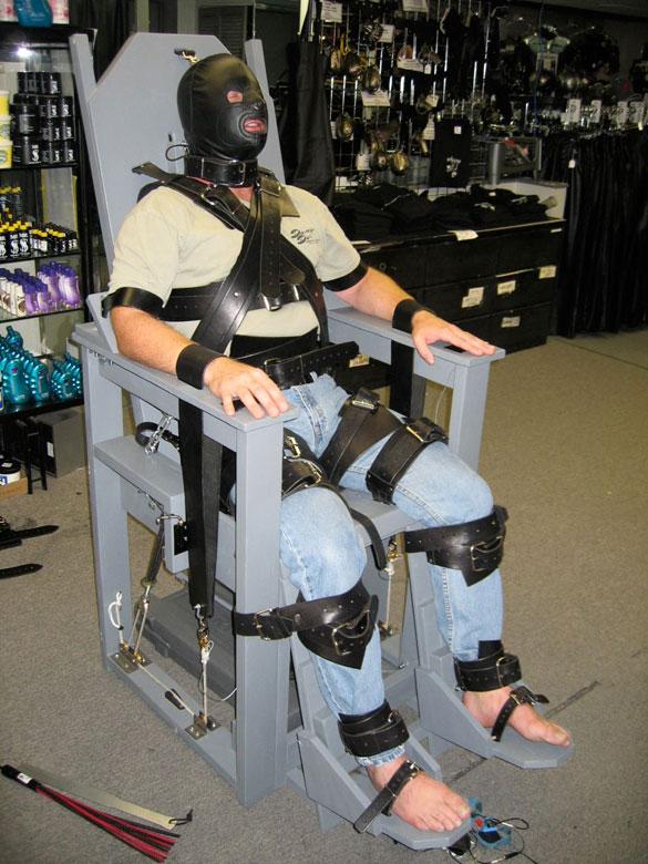 MetalbondNYC_dot_com_Bondage_chair_03