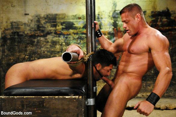 MetalbondNYC_gay_male_bondage_Tyler_Saint_02