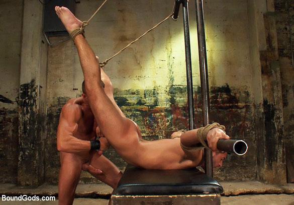 MetalbondNYC_gay_male_bondage_Tyler_Saint_06