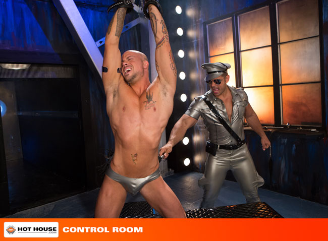 MetalbondNYC_gay_male_bondage_hot_house_02
