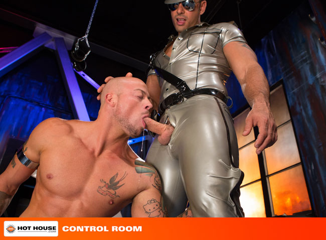 MetalbondNYC_gay_male_bondage_hot_house_03