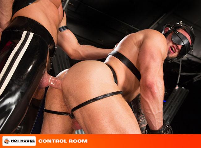 MetalbondNYC_gay_male_bondage_hot_house_05