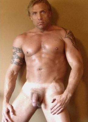 MetalbondNYC_gay_male_bondage_muscular_chastity_dude_02_nice-face