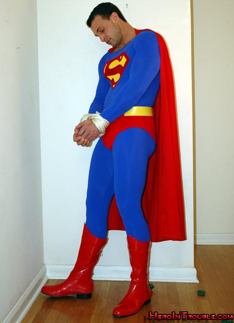 MetalbondNYC_gay_male_bondage_superhero_HeroInTrouble_01