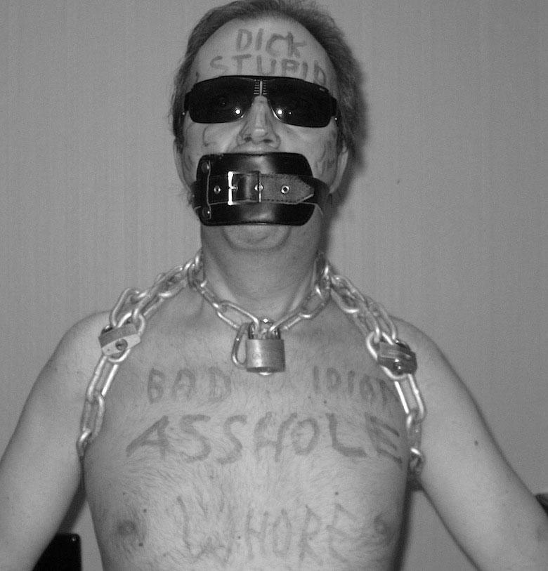 MetalbondNYC_gay_male_bondage_toilet_slave_04