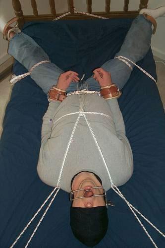 MetalbondNYC_tie_to_bed_04