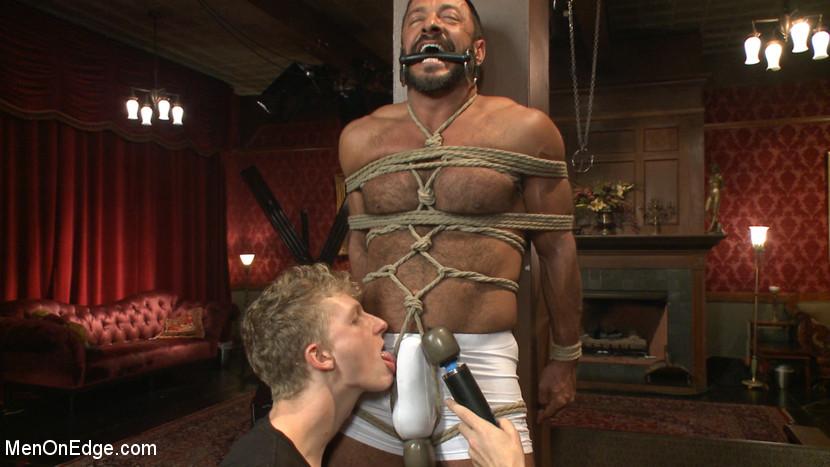 MetalbondNYC_Men_On_Edge_gay_male_bondage_01