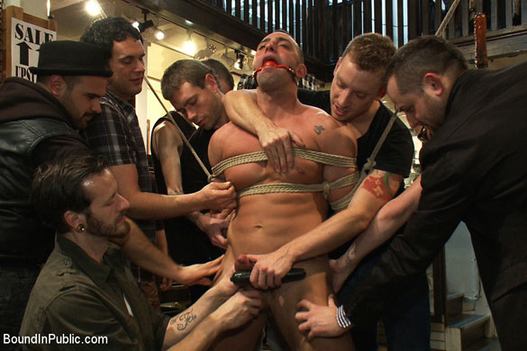 MetalbondNYC_bound_in_public_gay_bondage_01