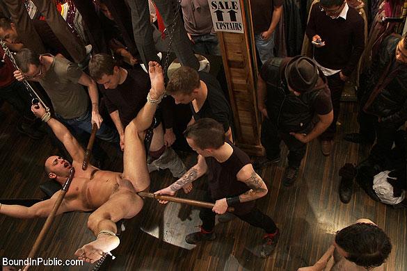 MetalbondNYC_bound_in_public_gay_bondage_04