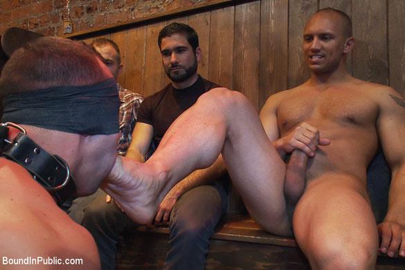 MetalbondNYC_gay_bondage_humiliation_02