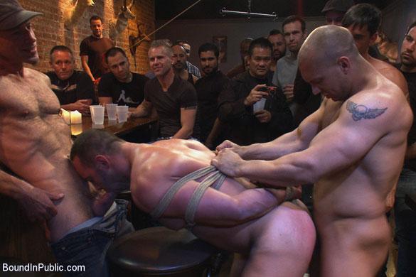 MetalbondNYC_gay_bondage_humiliation_03