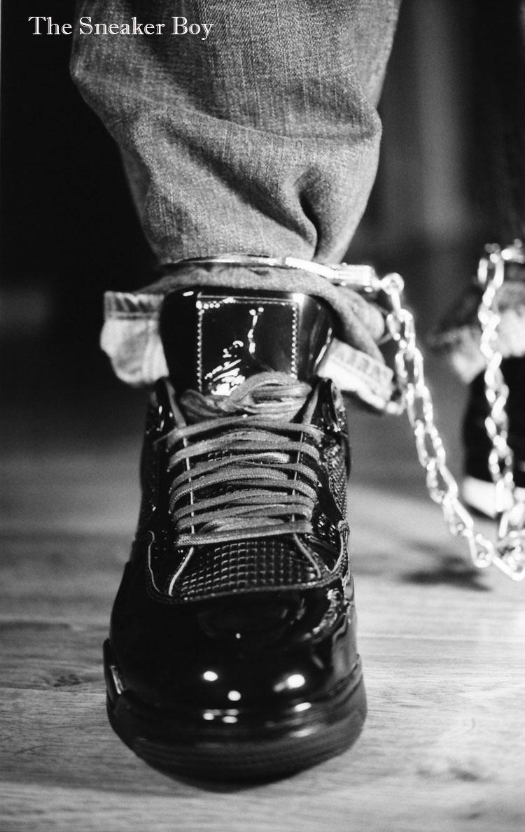 MetalbondNYC_gay_male_bondage_Sneaker_Boy_03