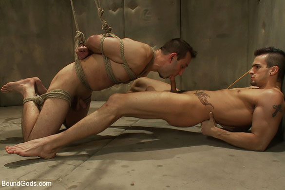 Gay_Bondage_Phenix_Saint_04