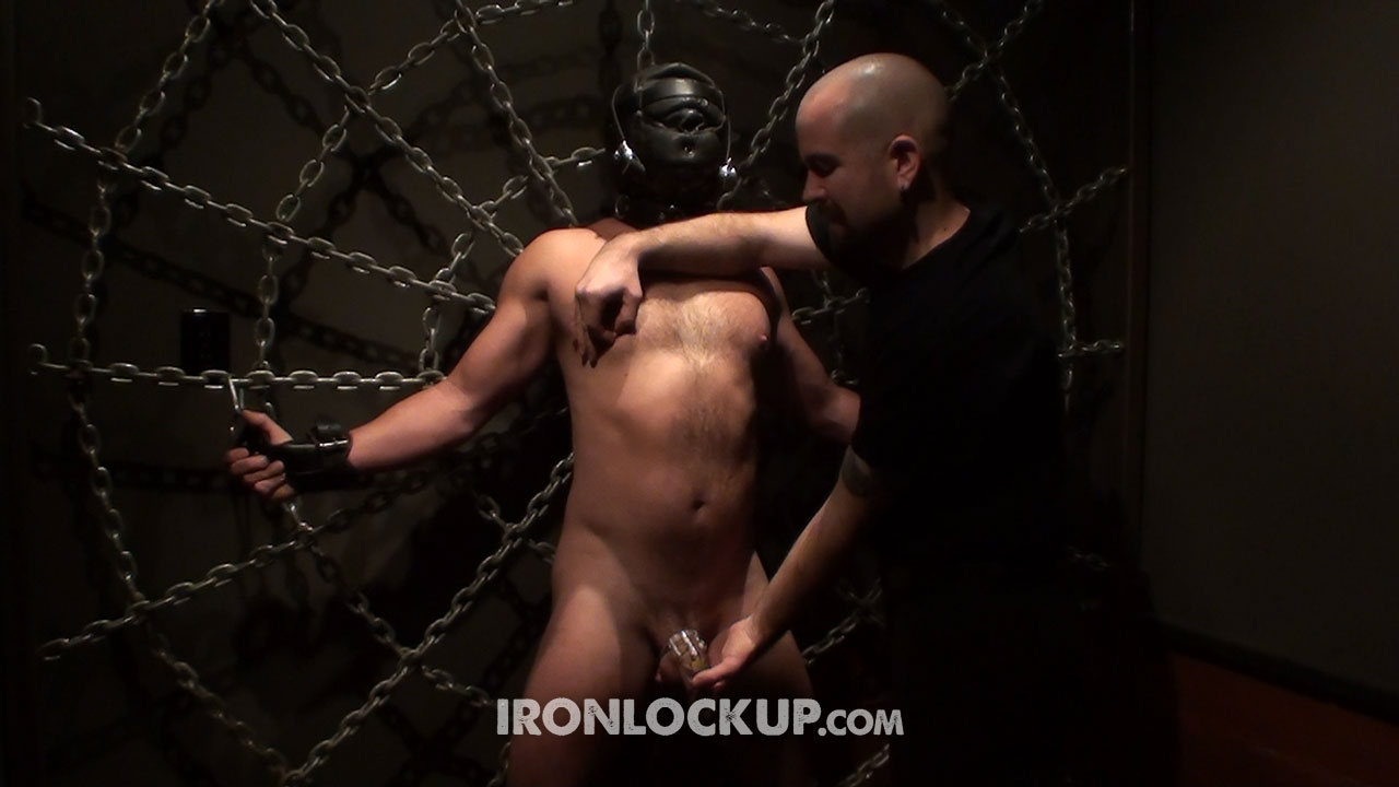MetalbondNYC_gay_bondage_nipples_full_31full_03