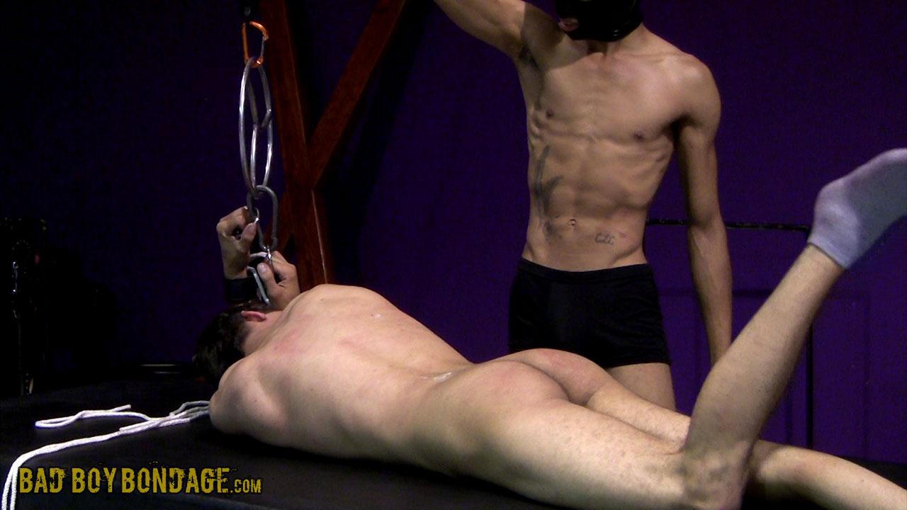 MetalbondNYC_gay_male_bondage_twinks_01
