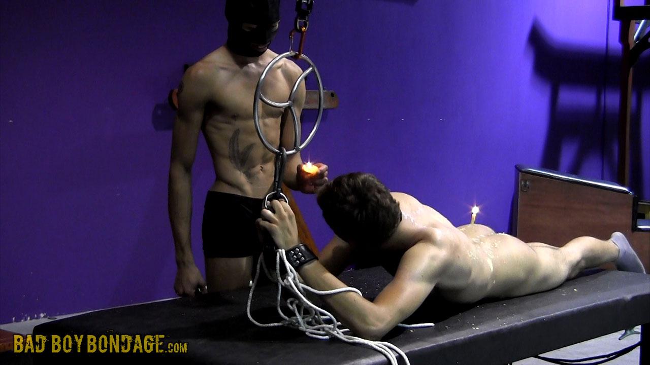 MetalbondNYC_gay_male_bondage_twinks_03