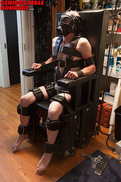 MetalbondNYC_male_bondage_leather_03