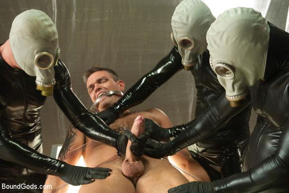 MetalbondNYC_rubber_gay_bondage_02
