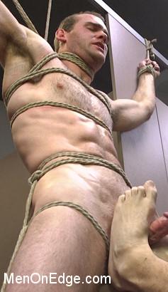 Jonah_Marx_gay_bondage_vert