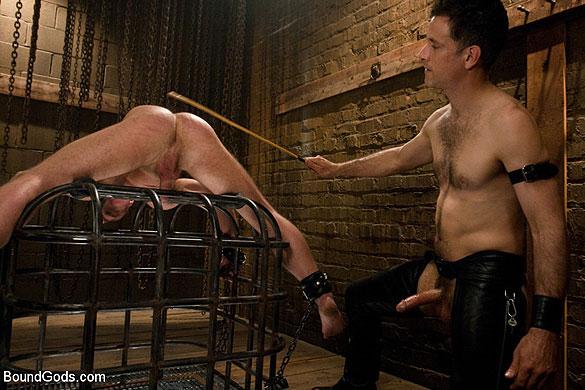 Master_Avery_gay_bondage_04
