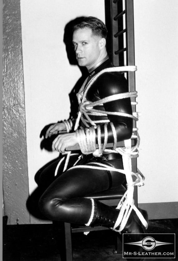 MetalbondNYC_gay_male_bondage_stories_pictures_01