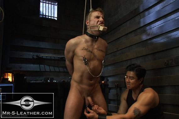 Nipple_torture_06