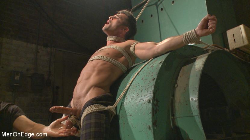 Lance_Hart_gay_bondage_01