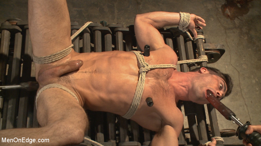 Lance_Hart_gay_bondage_03