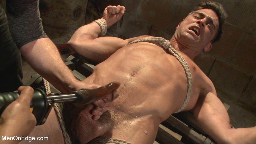 Lance_Hart_gay_bondage_04