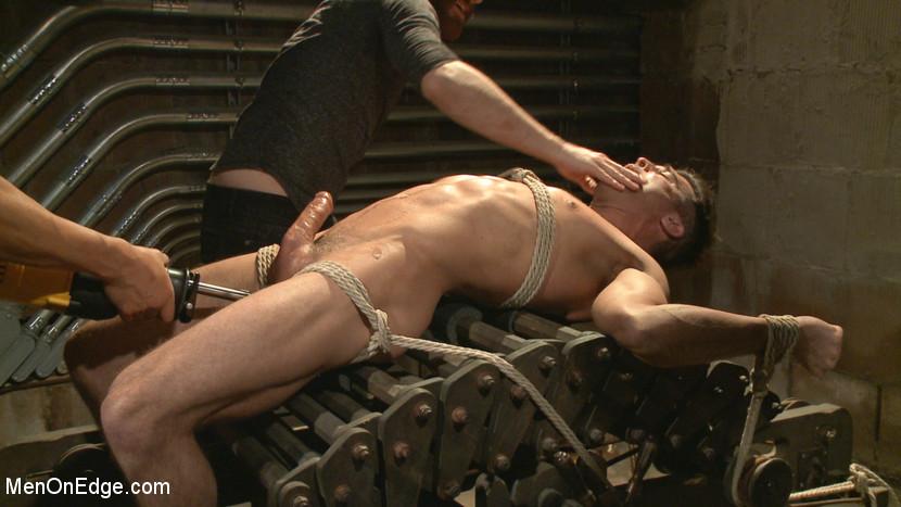 Lance_Hart_gay_bondage_05