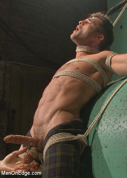 Lance_Hart_gay_bondage_vert2