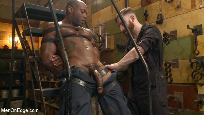 Osiris_Blade_gay_bondage_02