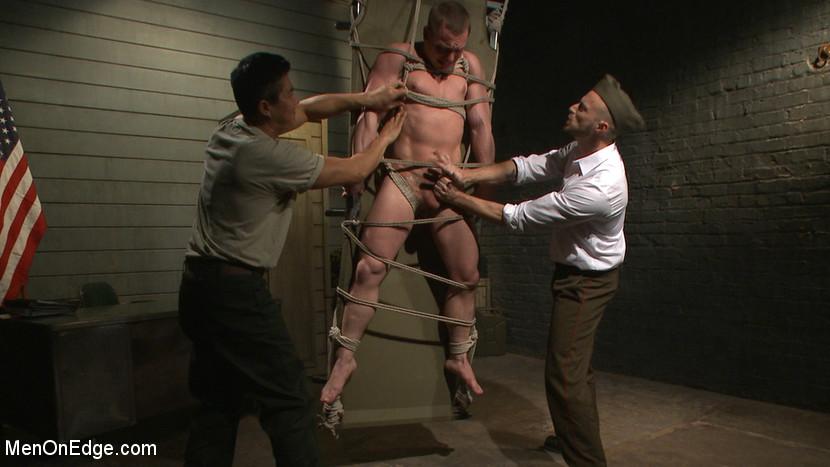 Tommy_Regan_gay_bondage_02