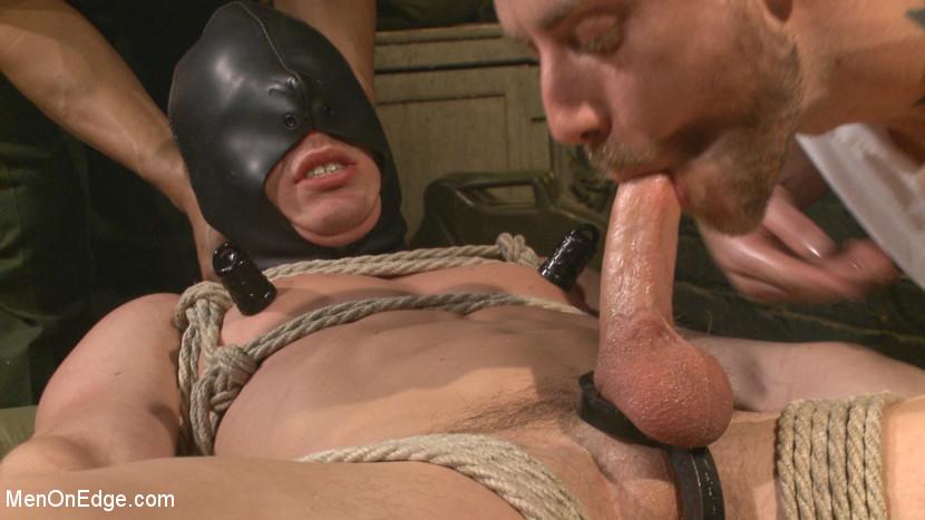 Tommy_Regan_gay_bondage_03