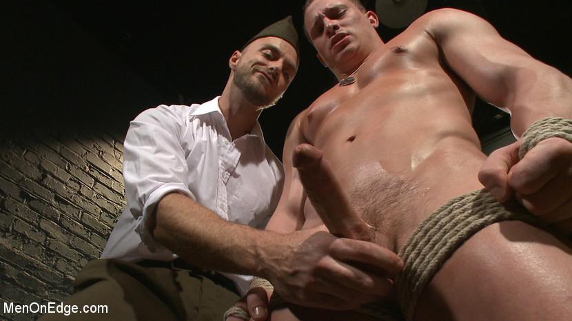 Tommy_Regan_gay_bondage_04