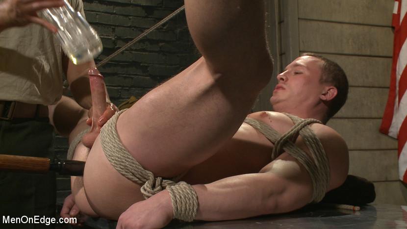 Tommy_Regan_gay_bondage_07