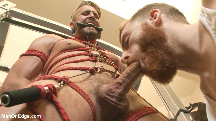 Wesley_Woods_gay_bondage_02