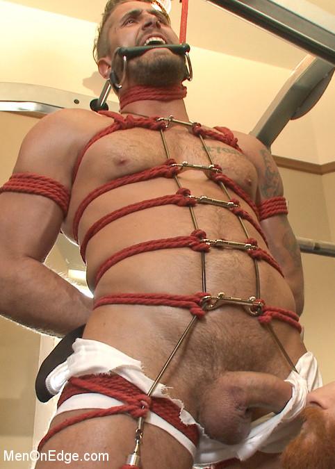 Wesley_Woods_gay_bondage_vert