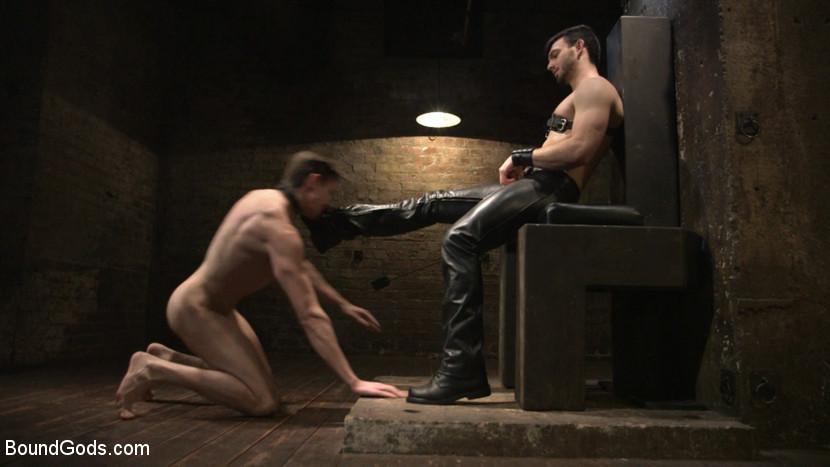 Jason_Maddox_Jack_Hunter_gay_bondage_01