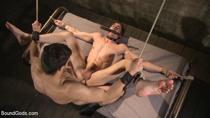 Jason_Maddox_Jack_Hunter_gay_bondage_07