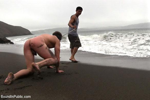 Micah_Andrews_gay_bondage_beach_01
