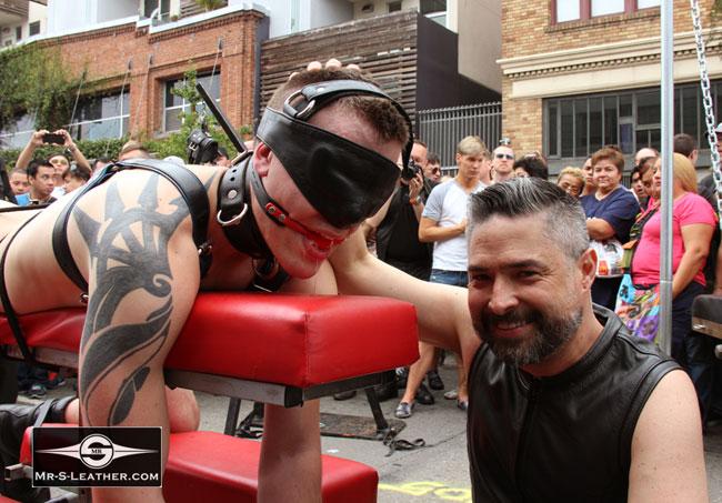 MetalbondNYC_gay_male_bondage_butt_pride_04