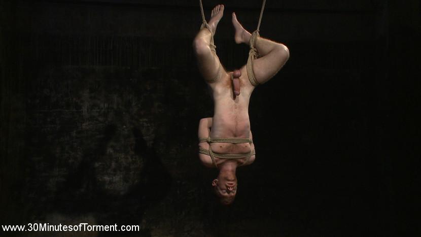 Seamus_OReilly_Van_Darkholme_gay_bondage_04