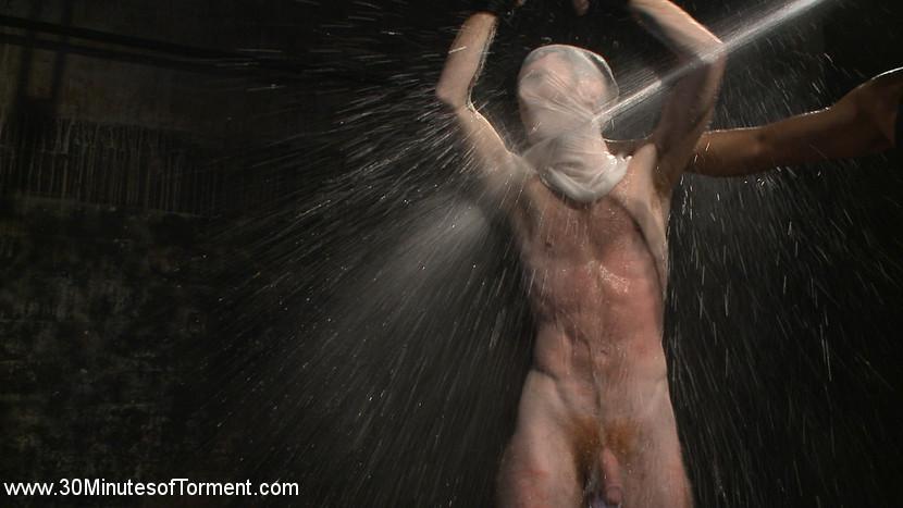 Seamus_OReilly_Van_Darkholme_gay_bondage_07