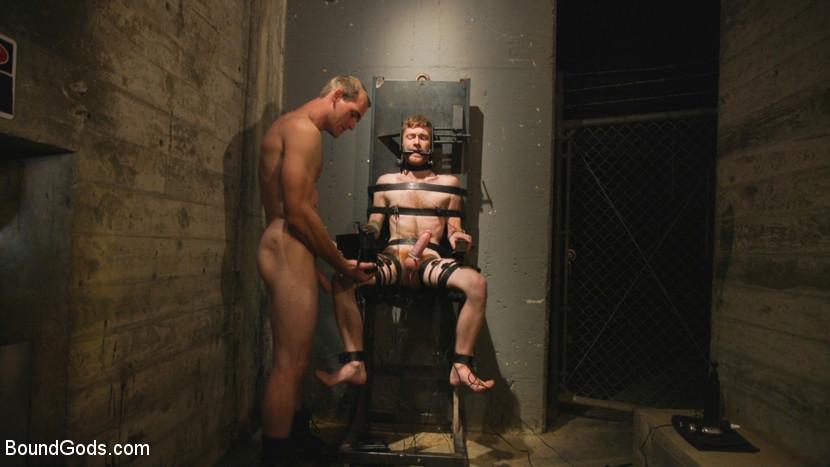 Jonah_Marx_Seamus_OReilly_gay_bondage_Cell_2_03