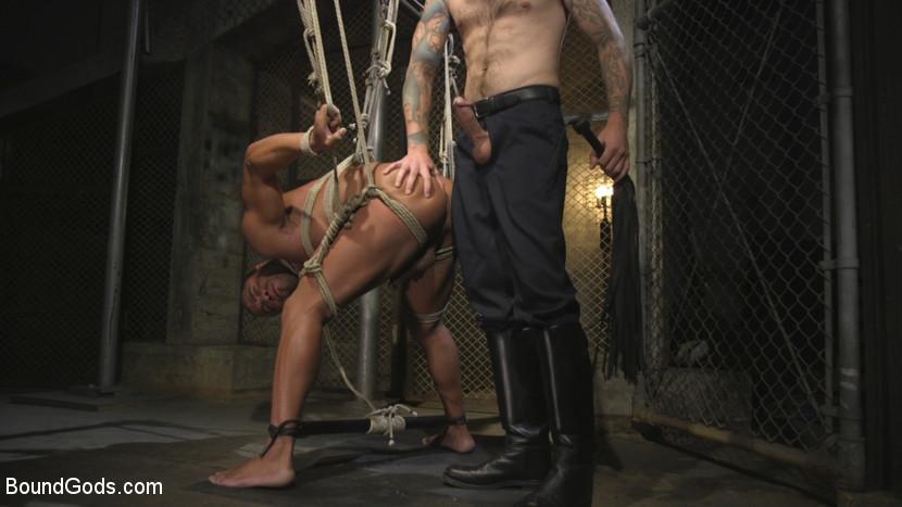 Christian_Wilde_Micah_Brandt_gay_bondage_03
