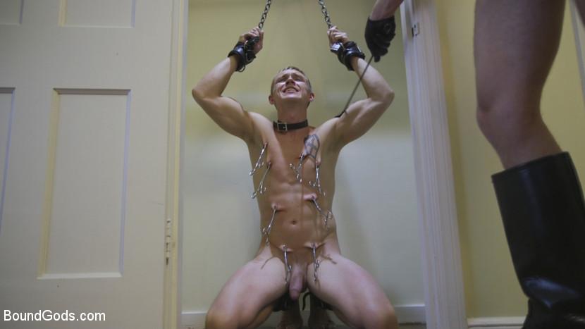 Zane_Anders_and_Sebastian_Keys_gay_bondage_01