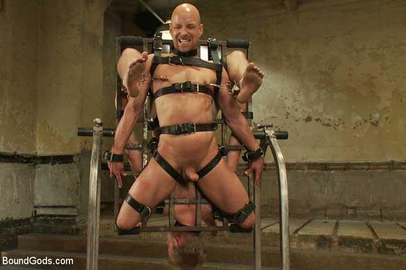 chad_rock_gay_bondage_03