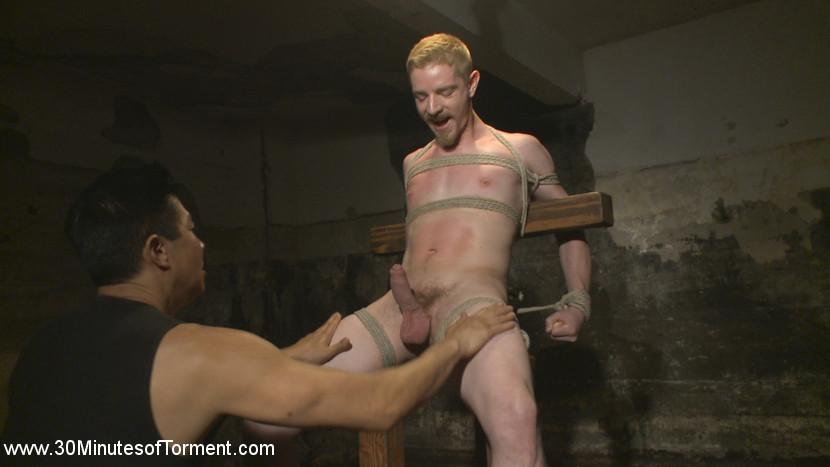 cody_winter_gay_bondage_02
