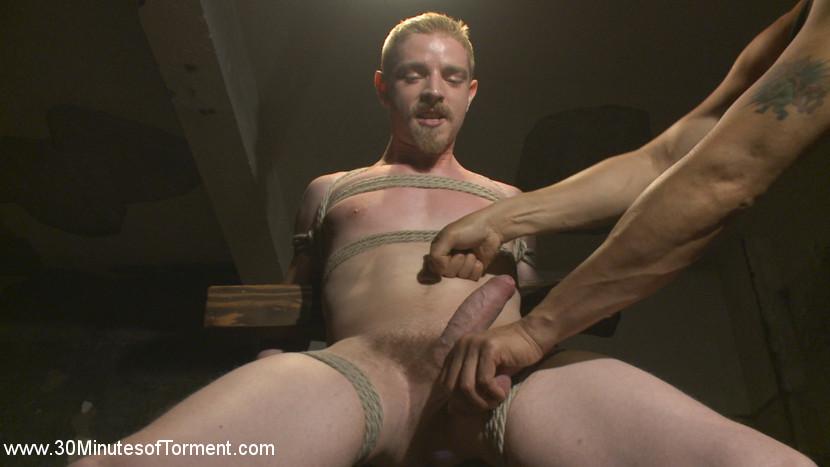 cody_winter_gay_bondage_08
